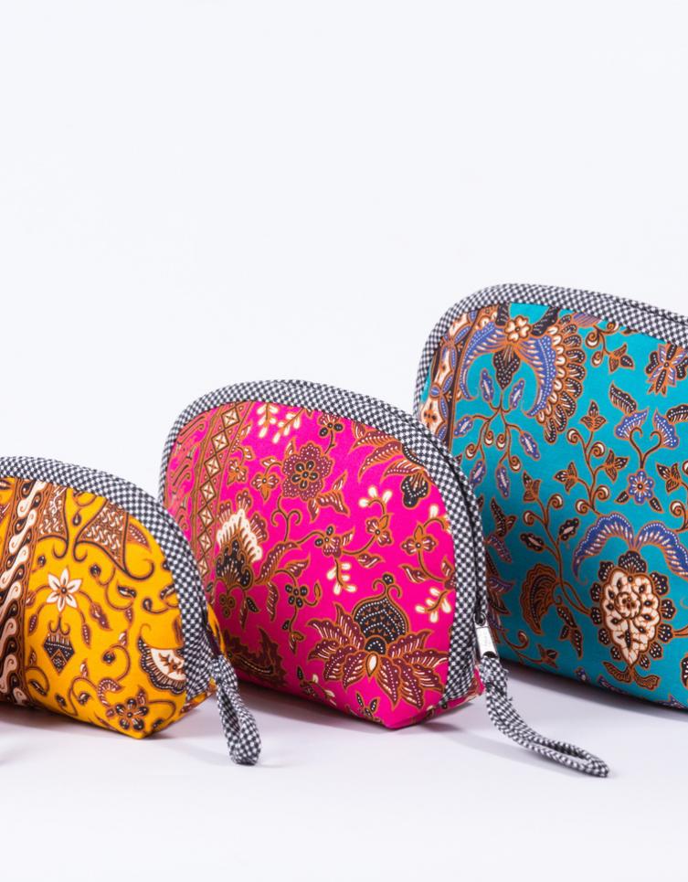 กระเป๋าผ้าปาเต๊ะ (เป็นได้ทั้งที่ใส่เครื่องสำอาง/โทรศัพท์มือ/อื่น ๆ)