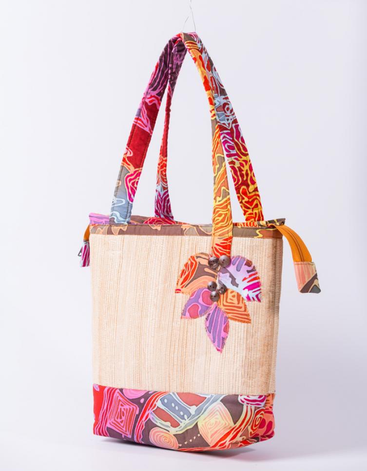 กระเป๋าสะพายกาบกล้วยบาติก (งานพรีออเดอร์)