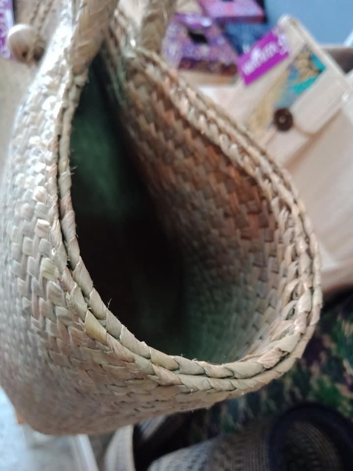 กระเป๋ากระจูดสีธรรมชาติ